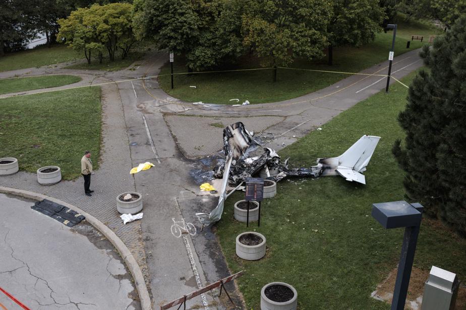 L'appareil impliqué dans l'accident, un Cessna172 immatriculé C-FFRV, appartenait à Gian Piero Ciambella. L'homme est à la tête de l'entreprise de publicité aérienne Aerogram.