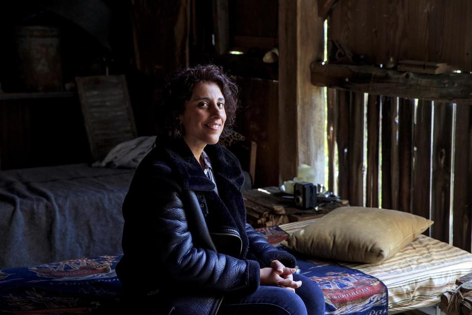 Elkahna Talbi est ravie d'être de retour sur le plateau de tournage après une pause en raison du confinement.