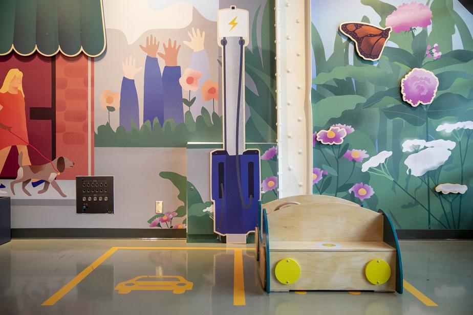 Le stazioni di ricarica per veicoli elettrici compaiono alla mostra Mini Mondo.