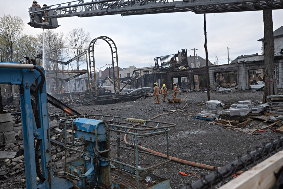 Les résidants situés à proximité ont été évacués et on ne déplore aucun blessé.