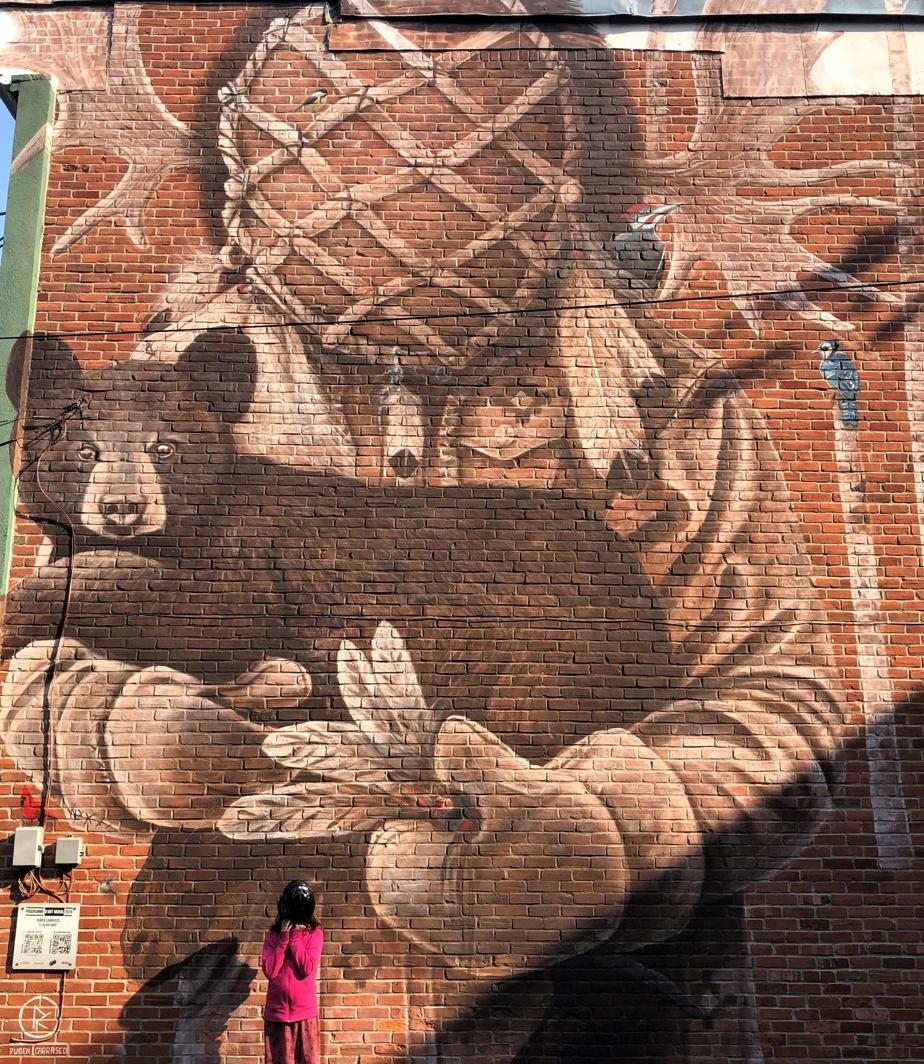 Une autre œuvre qui a vu le jour dans le cadre du festival MURAL2020, cette fois signée par Ruben Carrasco, un artiste d'origine mexicaine qui réside à Montréal.