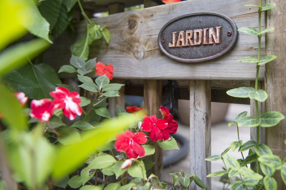 De nombreux détails ont été disséminés au gré du jardin.