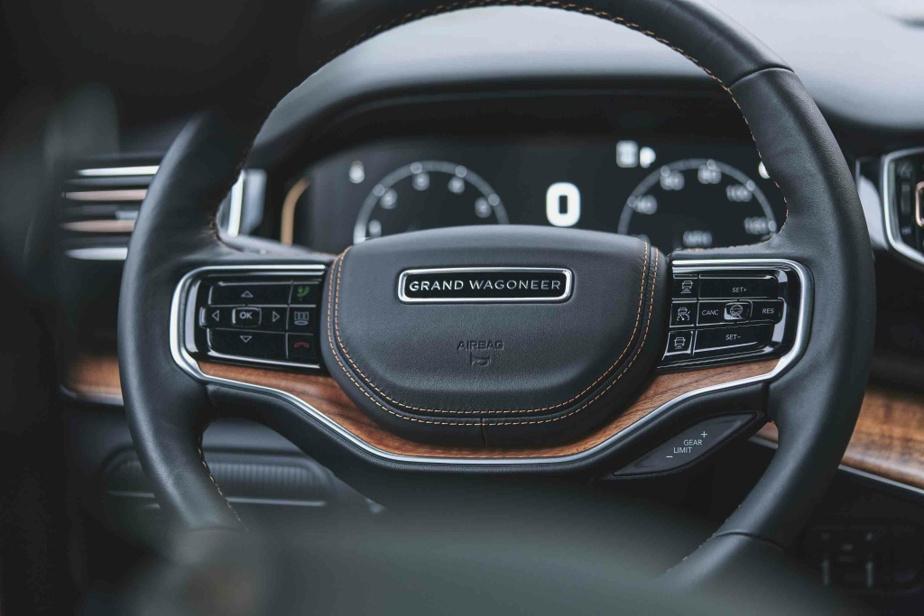 Dans le marché du haut de gamme automobile, la marque américaine est pour ainsi dire inconnue au bataillon et la crédibilité d'un Jeep d'élite reste à établir.