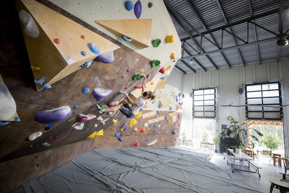 Le centre d'escalade BackBone se veut avant tout un lieu où l'on vient décrocher et se retrouver entre amis.