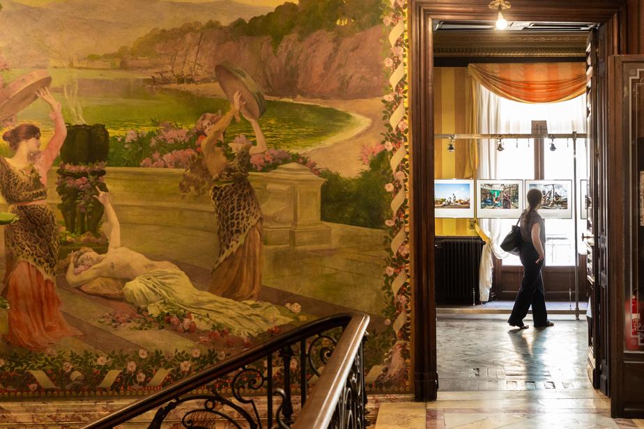 Le photoreportage Tigré– L'Éthiopie sombre dans le chaos, d'Eduardo Soteras, est exposé dans le magnifique hôtel Pams, bâtiment historique.