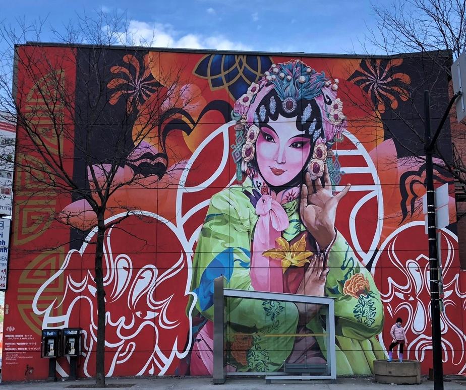 Cette œuvre murale de Gene Pendon et Bryan Beyung, située dans le Quartier chinois, est l'une des préférées de Sarah Dumouchel.