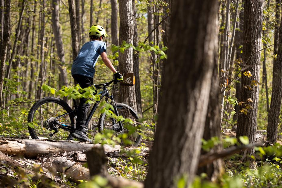 Au parc de la rivière Gentilly, les enfants peuvent profiter de nombreux parcours de vélo de montagne de niveau facile.