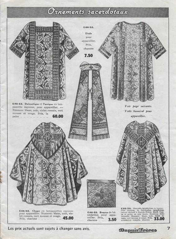Un bel échantillon de vêtements liturgiques (dalmatique, étole, chappe, chasuble) dans le catalogue de Noël pour le clergé de 1942
