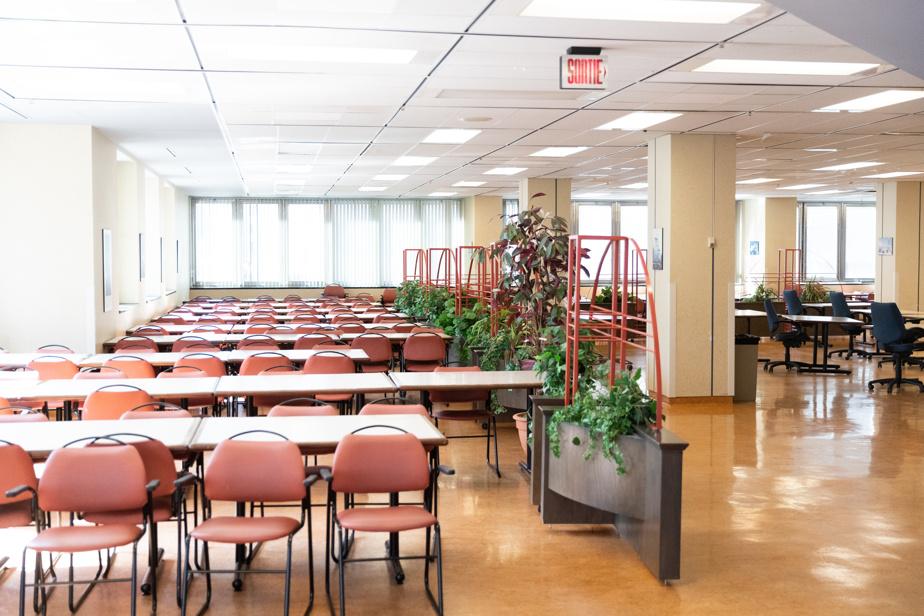 Jonathan Houle s'ennuie de saluer les centaines d'employés qui venaient travailler chaque jour avant la pandémie.