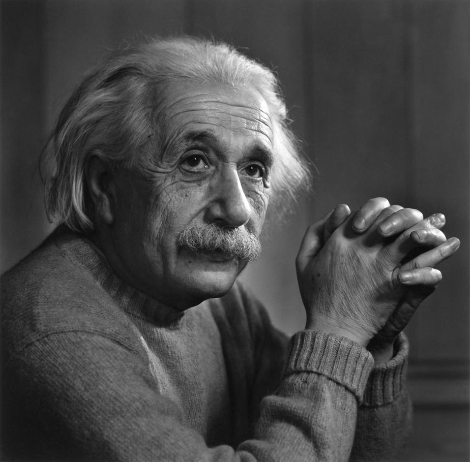 Albert Einstein, 11février1948, épreuve à la gélatine argentique, 60,9cm x 50,8cm. Don d'Estrellita Karsh à la mémoire de Yousuf Karsh.