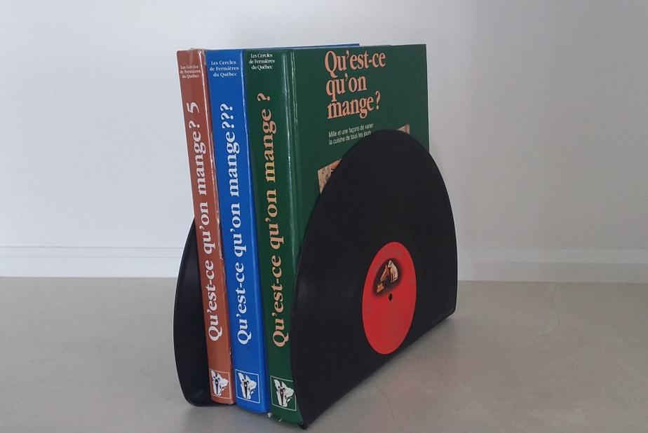 Nathalie Marquis fabrique également des serre-livres à partir de vieux vinyles.