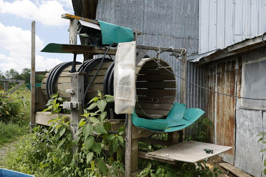 Baratte permettant de laver les légumes racines, construite aux Potagers des nues mains