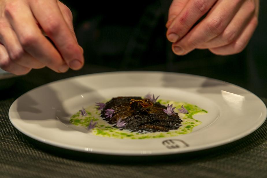 Le champignon portobello n'a jamais été plus umami qu'avec sa croûte de koji caramélisé.
