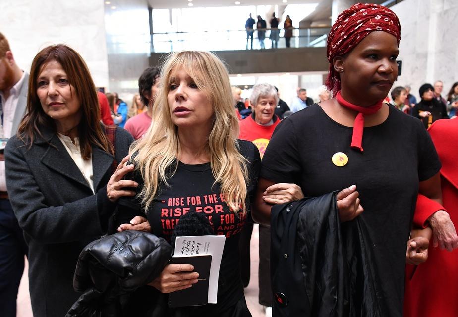 Jane Fonda de nouveau arrêtée après avoir protesté contre le changement climatique