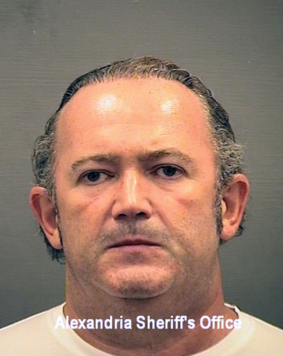 Procédure de destitution: deux proches de l'avocat de Trump arrêtés