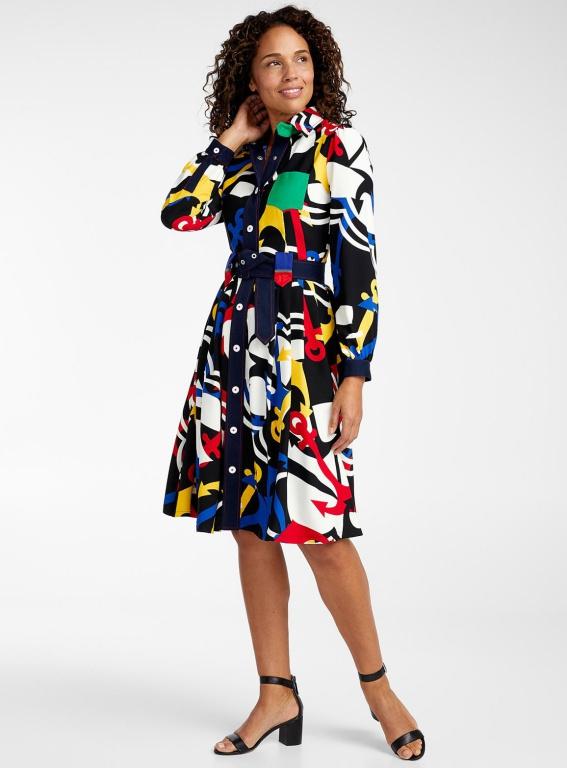 La robe géométrie nautique, 235$, offertechezSimons