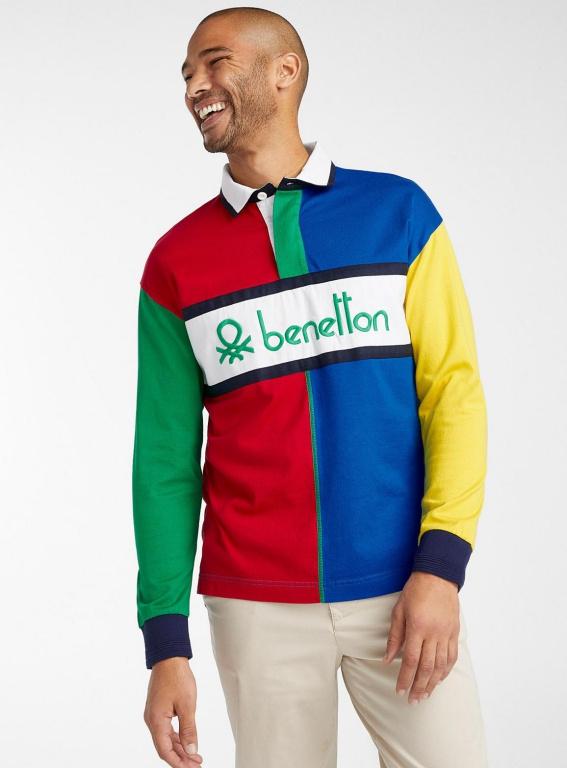 Le polo Rudgy couleurs graphiques, 145$, offertchez Simons