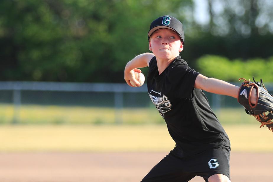 La position et le mouvement des jambes sont primordiales au baseball autant pour frapper que pour lancer, note Marc Griffin.