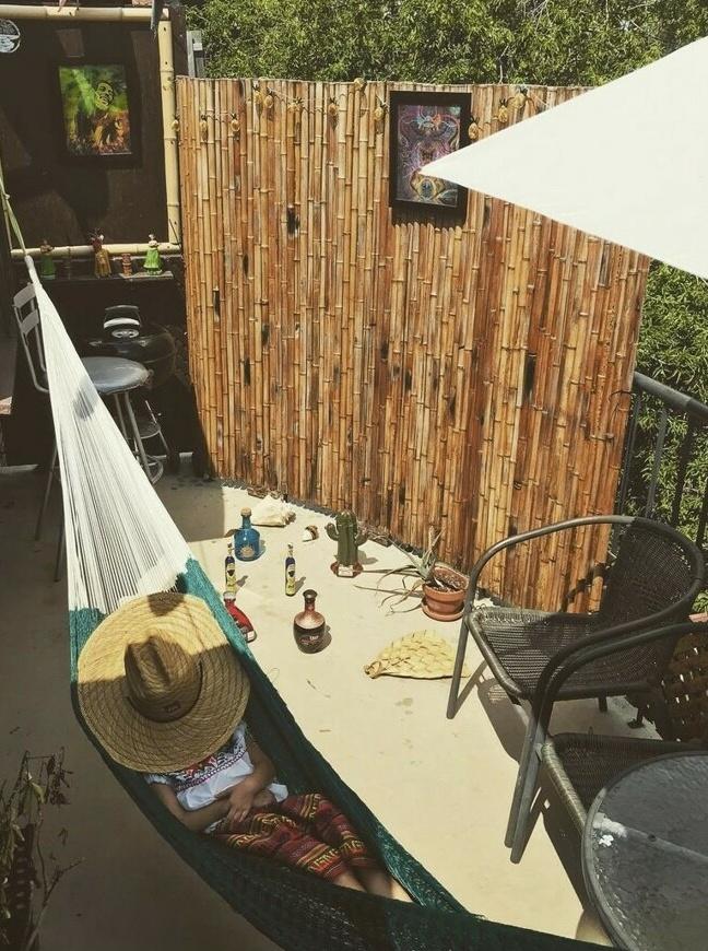 Le balcon de Claudia Poulin, qui vit sur le boulevard Saint-Laurent
