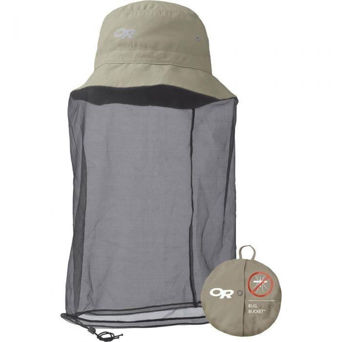 Un chapeau muni d'un filet anti-moustique de marque Outdoor Research, offert à La Cordée pour 30,09$.