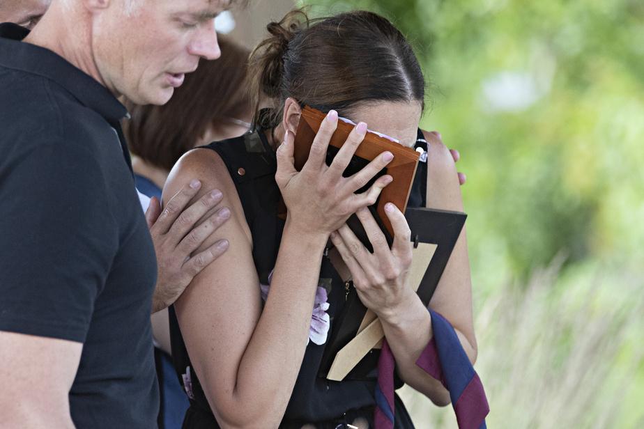 AmélieLemieux, la mère des deux fillettes retrouvées mortes à Saint-Apollinaire, a exprimé lundi dernier sa «douleur incommensurable».