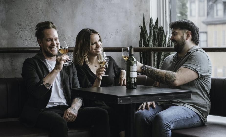 Les copropriétaires du Vin Polisson sont Raphael Rioux, Charlie Abran Fréchette et Maxime Verpaelst