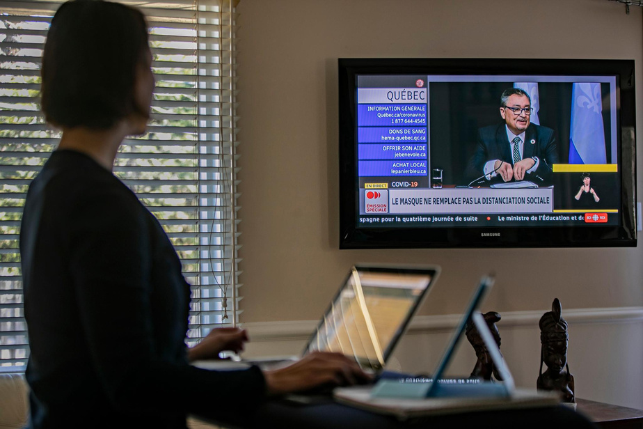 13h12: sur le coup de 13h, Kathy Tremblay, comme de nombreux Québécois, prend une pause pour écouter le point de presse quotidien du premier ministre François Legault, de la ministre de la Santé Danielle McCann, et du Dr Horacio Arruda.