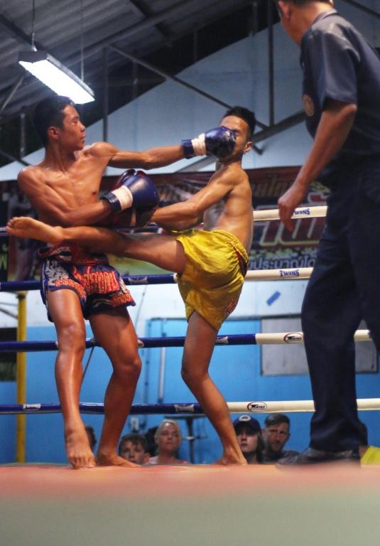 Les catégories de poids plus légers offrent des duels rapides et techniques.