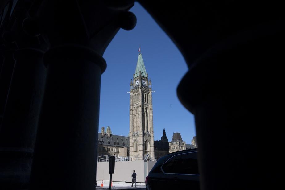 Entente entre les partis à Ottawa pour le retour du Parlement)
