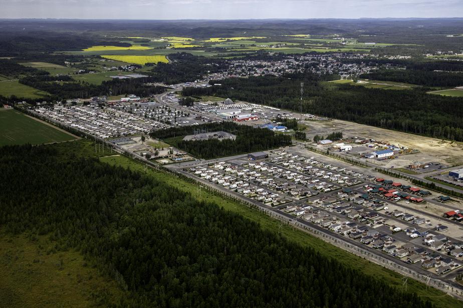 Le Domaine de La Florida, situé à Saint-Ambroise, au Saguenay–Lac-Saint-Jean, est certainement le plus grand camping pour véhicules motorisés au Québec.