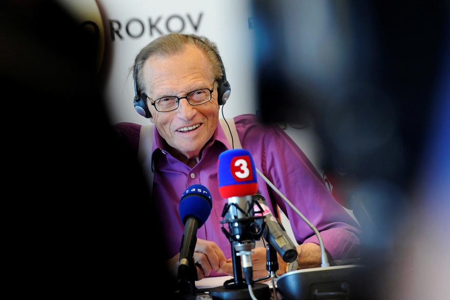 Larry King durant une conférence de presse à Bratislava, en Slovaquie, en septembre2011