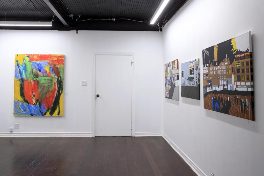 Une peinture d'Émile Cantin, à gauche, et trois œuvres de Christian Carlsen, à droite