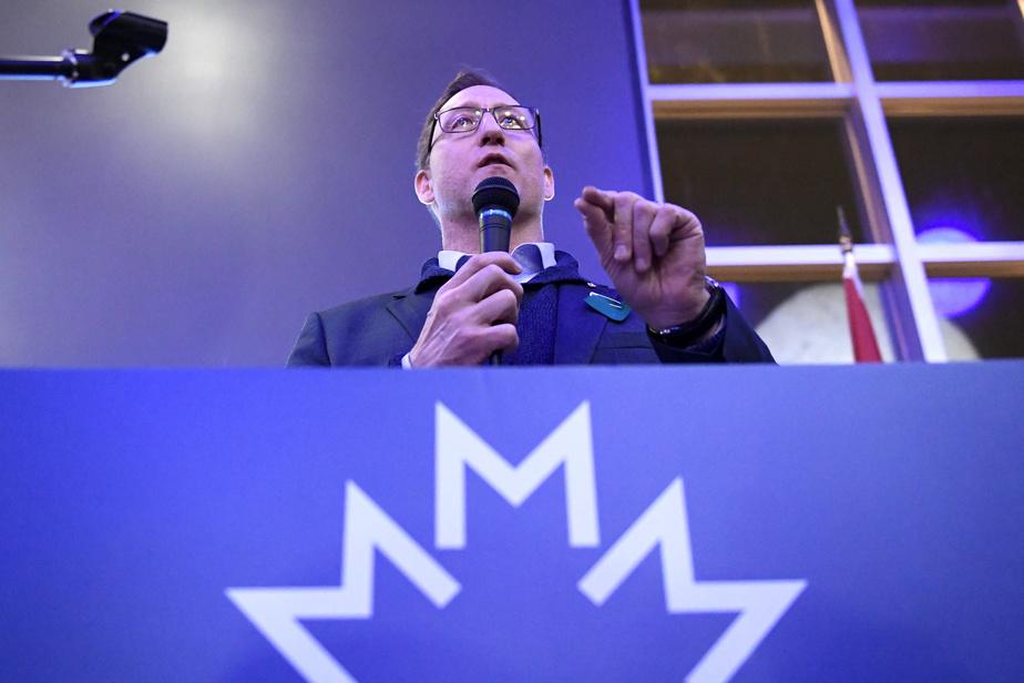 Des députés québécois à la défense de Peter MacKay