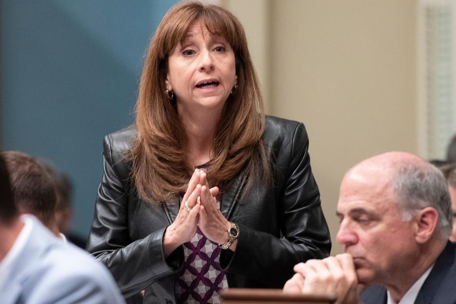 Crise des médias: Québec n'aidera pas des journaux à la pièce