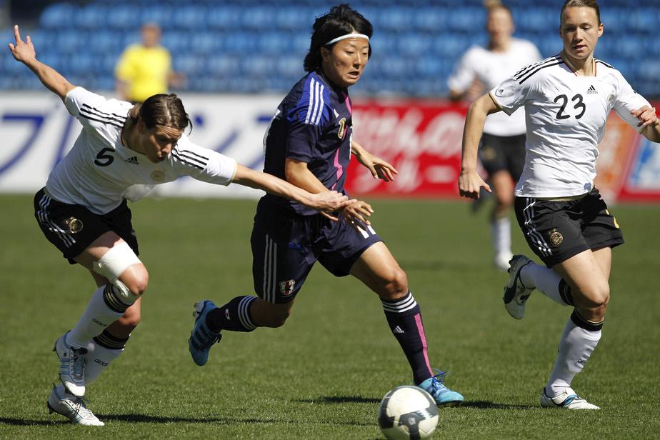 Une internationale japonaise signe en amateur… chez des hommes — Foot