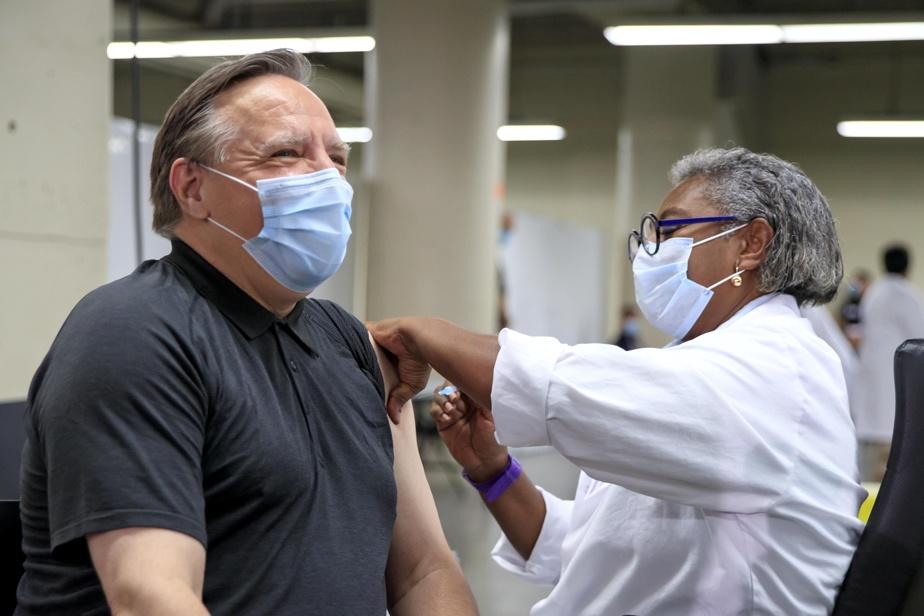 Vaccination Legault évoque une loterie pour convaincre les jeunes)