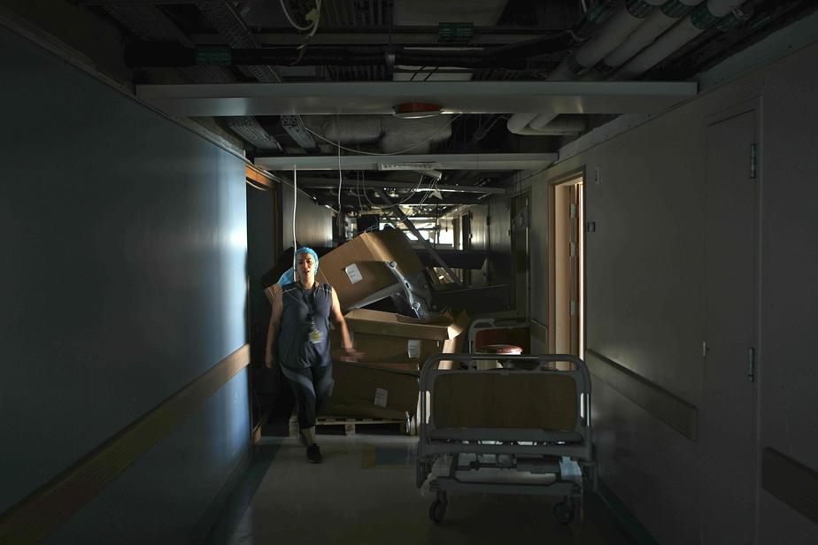 La Presse au Liban: les hôpitaux craignent la hausse des cas de COVID-19 )