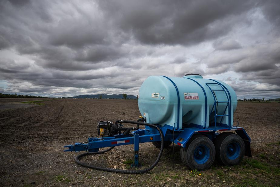 Pesticides Le PQ demande l'interdiction de la pulvérisation prérécolte )