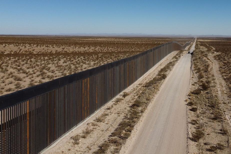 Portion nouvellement construite du mur qui sépare les États-Unis du Mexique, dans l'État du Nouveau-Mexique
