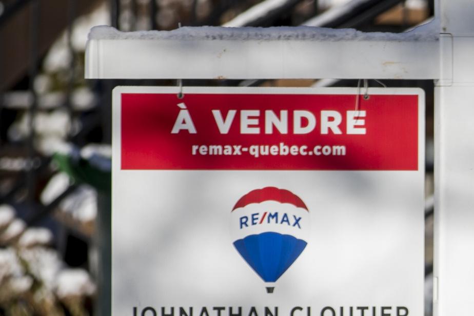 Marché immobilier du Grand Montréal Le prix médian des maisonsa bondi de 100000$ en un an)