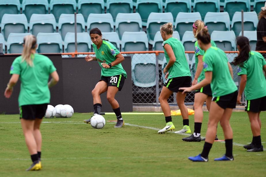 Les footballeuses obtiennent un salaire égal à celui des hommes — Australie
