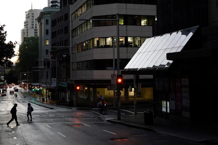 COVID-19   Couvre-feu levé à Sydney où le nombre de cas demeure stable