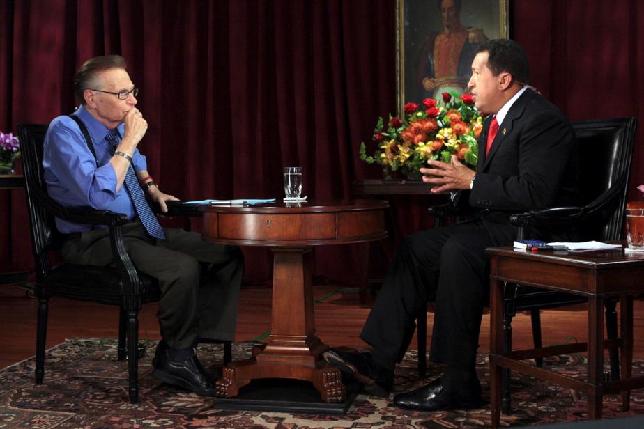 Larry King et l'ancien président du Venezuela Hugo Chávez en septembre2009
