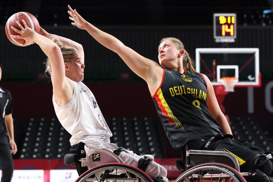 Match du tour préliminaire de basketball en fauteuil roulant entre la Grande-Bretagne et l'Allemagne
