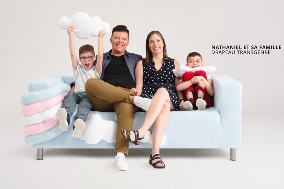 Sofa créé par Bianca Daniela Nachtman, à l'image du drapeau transgenre