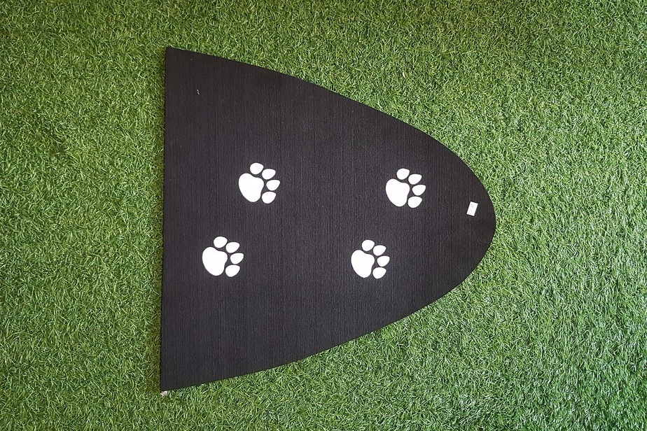 Cet autre tapis est aussi prévu pour les chiens. Le NSI Doggie pad est vendu par SUP MTL, une entreprise québécoise spécialisée dans la planche à pagaie, au coût de 45$.