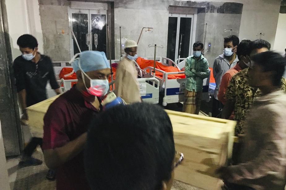 Explosion au gaz dans une mosquée au Bangladesh: au moins 16 morts