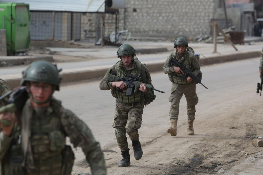 33 soldats turcs tués dans des frappes aériennes — Syrie
