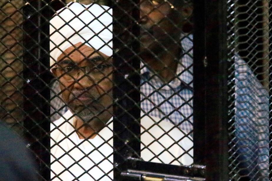 Omar El Béchir inculpé pour possession illégale de fonds étrangers — Soudan