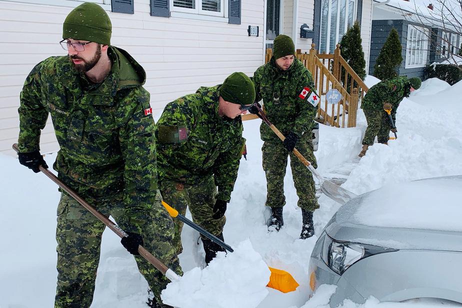 Blizzard: le nettoyage se poursuit à Terre-Neuve